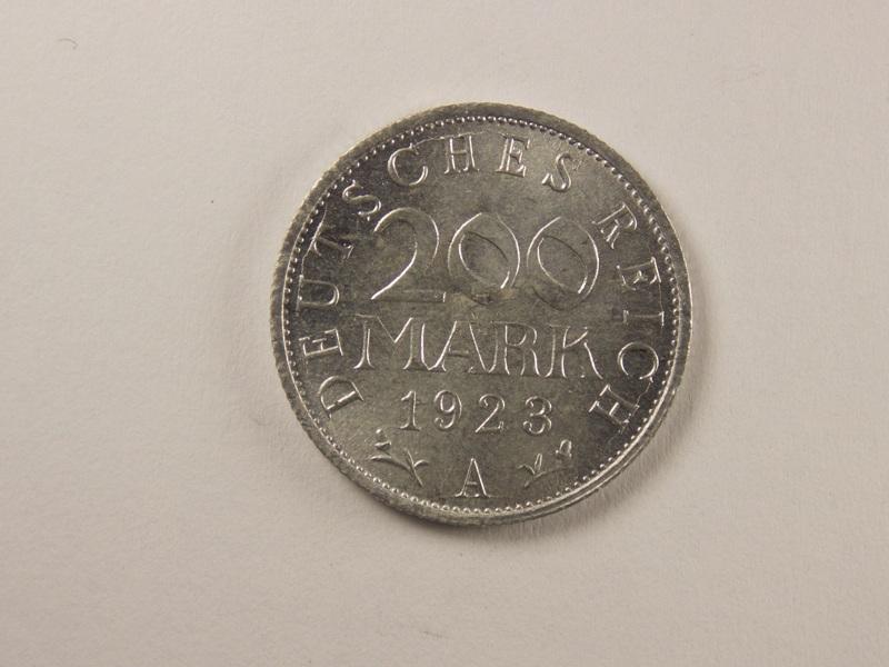 200 марок 1923 года.